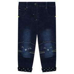 Jeans met used effect en voering van jerseystof met geborduurde kattenhoofden