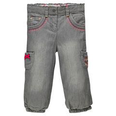 Jeansbroek in grijze kleur gevoerd met jersey zakken fantasie borduursel