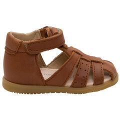 Leren sandalen met riempje met perforaties