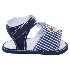 Sandalen met jeanseffect, strepen en piratenprint