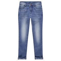 Jeans effet used avec bijoux