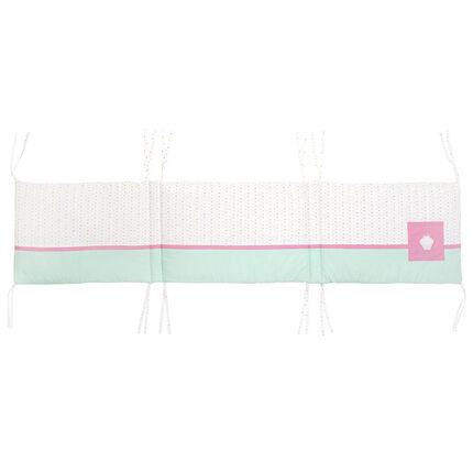 Tour de lit en popeline à nouettes avec patch cupcake