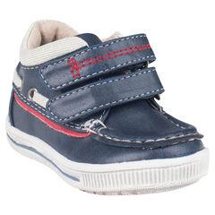 Chaussures forme bateau aspect cuir à scratchs
