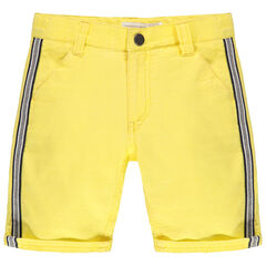Bermuda en maille jaune à bandes appliquées