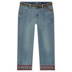 Corsaire en jeans mi-mollet effet used avec frises brodées