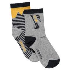 Set met 2 paar matching sokken met contrasterende strepen en gitaar van jacquard