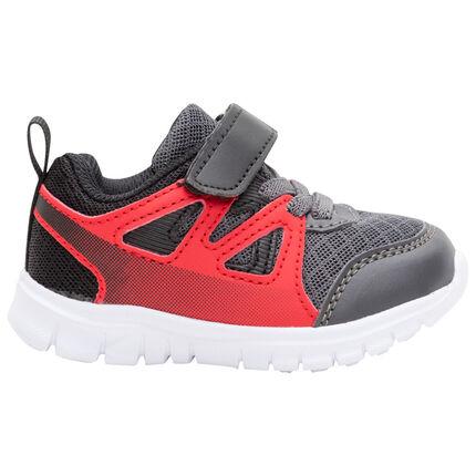 Sneakers van mesh in twee kleuren met veters en klittenbandsluiting