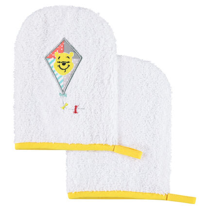 Set de 2 gants de toilette en éponge Disney motif Winnie l'Ourson