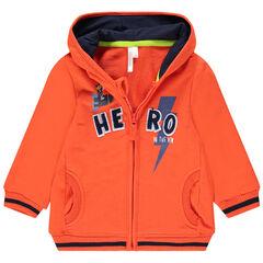 Vest met kap van oranje molton met opschrift van bouclé
