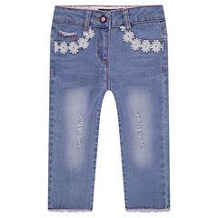 Pantacourt en jeans effet used avec galons à fleurs