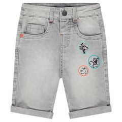 Bermuda van jeans met used effect en prints in badgevorm
