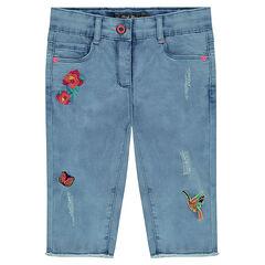 Corsaire en jeans effet used avec broderies fantaisie
