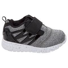Lage sneakers met klittenbandsluiting en gelakte inzetstukken van maat 24 tot 29