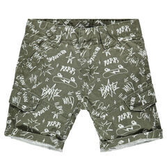 "Bermuda in twill met grafittiprint ""all-over""."