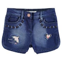 Short en jeans effet used avec broderies colorées