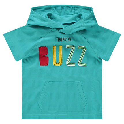 T-shirt met korte mouwen, kap, geborduurd opschrift en zakje