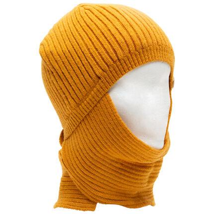 Bonnet en maille à écharpe intégrée