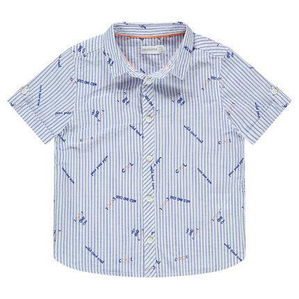 """Hemd met korte mouwen met streepjes en opschriften """"all-over"""""""