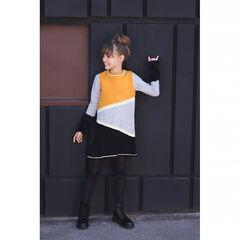Robe manches longues en tricot avec jeux de contrastes et détails fausse fourrure