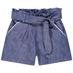 Jeansblauwe short van fantasiebreiwerk met knoopriem
